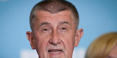 ARCHIV - Andrej Babis, Ministerpräsident von Tschechien, scheint sich mit seiner Niederlage abgefunden zu haben. Foto: Petr David Josek/AP/dpa