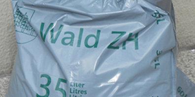 Die Abfallsäcke in Wald ZH werden teurer.