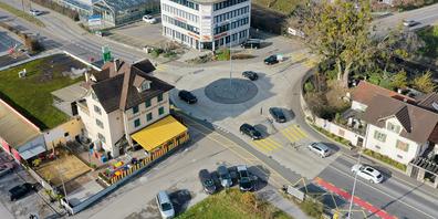 Aktuell steht die Liegenschaft Schweizerhof im Fokus, ebenso die ungelösten Verkehrsprobleme im Dorf Pfäffikon.