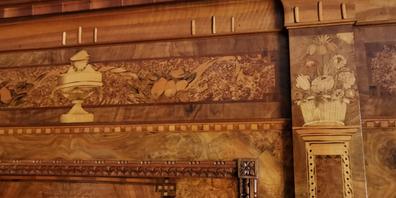 Wertvolle Täfer mit Intarsien im Baronenhaus.