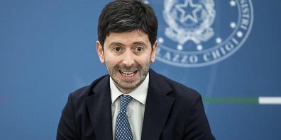Roberto Speranza, Gesundheitsminister von Italien, spricht bei einer Pressekonferenz. Angesichts steigender Infektionszahlen verschärft Italien die Corona-Regeln. Foto: Roberto Monaldo/LaPresse/AP/dpa