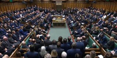 HANDOUT - Boris Johnson (M), Premierminister von Großbritannien, hält eine Rede im britischen Unterhaus, während sich die Abgeordneten versammeln, um dem konservativen Abgeordneten Amess zu gedenken. Amess war am 15.10.2021 in den Räumen einer Met...