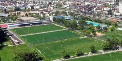 Visualisierung von Osten mit Leichtathletikanlage, Fussballplätzen mit Tribüne, Freibad und Hallenbad.