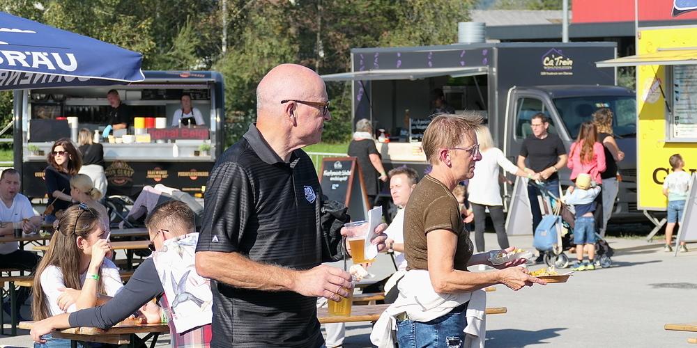 Schlemmen und Geniessen beim Streetfood-Festival auf der Altstätter Allmend