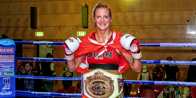 Den Titel holte sich Martina Steiner für die International Kickboxing Association, einer der grössten Kampfsport-Organisationen der Welt.