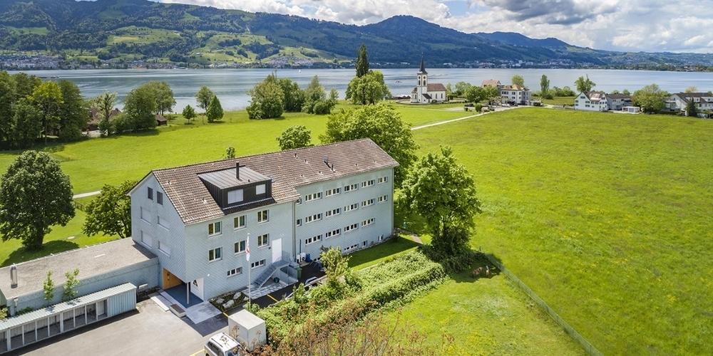 Die Jugendherberge Rapperswil-Jona liegt unweit des Obersee.