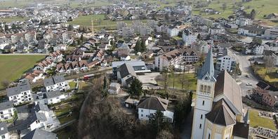 In Reichenburg ist man sich uneinig über die Altersheim-Strategie.