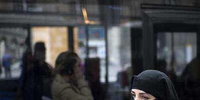 Der Bundesrat schlägt vor, das Burkaverbot mit einem Artikel im Strafgesetzbuch zu verankern. (Themenbild)