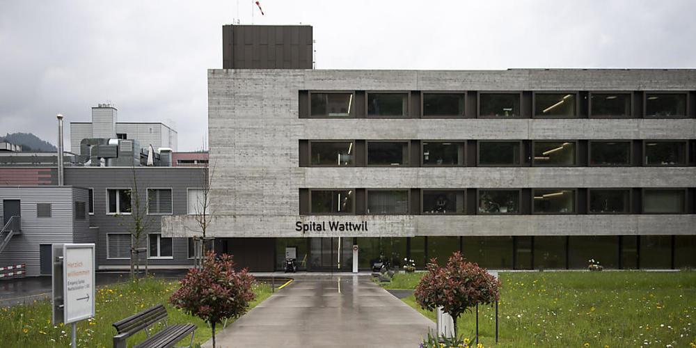Wie es mit der Spitalliegenschaft in Wattwil weitergeht, ist unklar. Über laufende Gespräche mit der Gemeinde gibt es von der Regierung keine Informationen. (Archivbild)