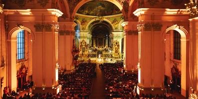 Die Feier in der Kathedrale St. Gallen (Bild) wird ab 19:45 Uhr in der Kirche St. Magnus Rieden auf Grossleinwand übertragen.