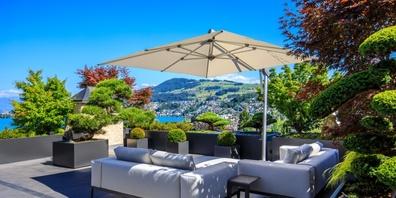 Suchen Sie Inspirationen für Ihre nächste Terrassengestaltung? Die Fachexperten der Zweifel Terrazza AG in Tuggen helfen Ihnen gerne dabei.