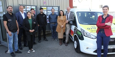 Stadträtin Helen Alder Frey (ganz rechts) und einige Sponsorinnen und Sponsoren mit dem Fahrzeug.