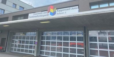 Die Feuerwehr der Stadt Rapperswil Jona kommt so schnell nicht zur Ruhe. Der Stadtrat ist am Zug, es wird brenzlig.