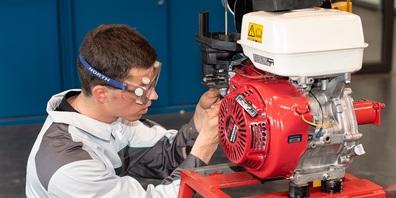 Landmaschinenmechaniker Sandro Weber vertritt die Schweiz an den EuroSkills in Graz.