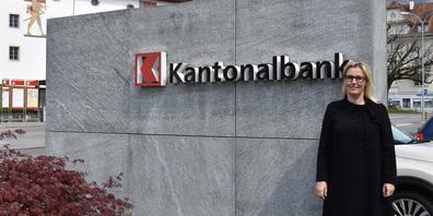 Susanne Thellung, CEO der Schwyzer Kantonalbank, setzt sich für Gleichberechtigung ein und hat die Lohngleichheit innerhalb der SZKB untersuchen lassen.