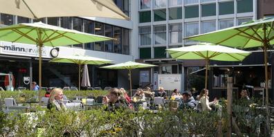 Noch haben nur die Restaurant-Terrassen geöffnet. Das könnte sich aber bald ändern.