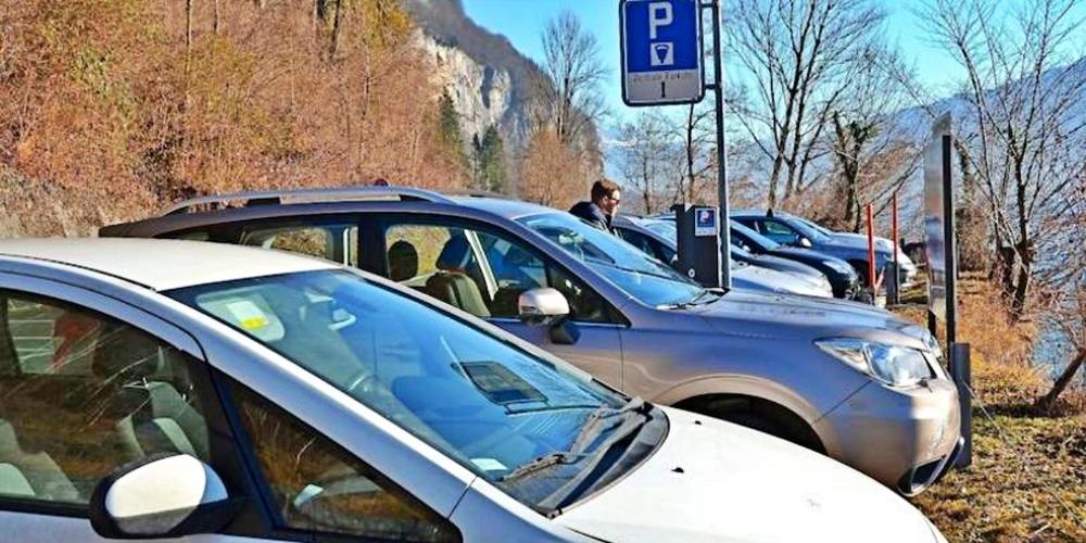 Einfach ist die Parkplatzsuche am Walensee an schönen Wochenenden nicht.