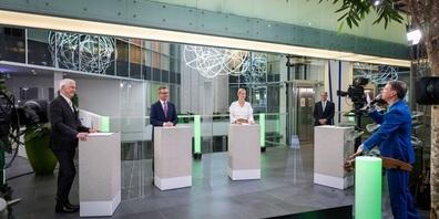 Im Live-Stream (v.l.n.r.): VR-Präsident Thomas Gutzwiller, Neo-VR Roland Ledergerber, Moderatorin Linda Fäh, CEO Christian Schmid und Künstler Martin O.