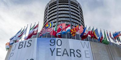 Die Bank für internationalen Zahlungsausgleich BIZ in Basel öffnet ihre Tore.