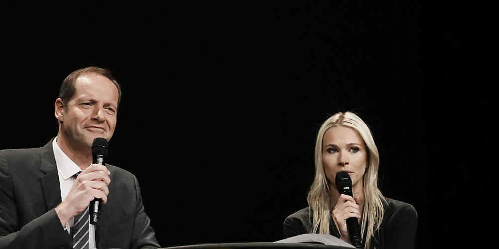 Die Tour-Direktorin Marion Rousse, selbst ehemalige Rennfahrerin, stellt an der Seite von Männer-Chef Christian Prudhomme die Pläne für die Tour de France der Frauen 2022 vor