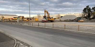 Das ehemalige Feyco-Areal wird für einen Neubau vorbereitet (Bild: nas).