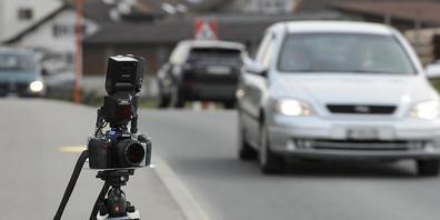 Ein Motorradfahrer wurde bei einer Geschwindigkeitskontrolle in Amriswil TG mit 67 km/h zuviel auf dem Tacho erwischt. (Symbolbild)