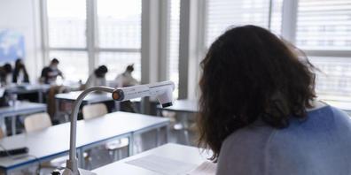 Der Kanton Zürich schickt 15 Berufsschullehrerinnen und -lehrer in die Frühpension. Für sie hat es in der neuen Organisation der Berufsfachschulen keinen Platz mehr. (Symbolbild)