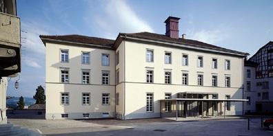Schulhaus Kirchplatz, Wil