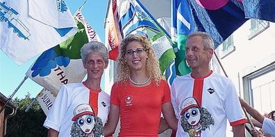 Jolanda Neff mit ihren Eltern wurde bei ihrer Rückkehr aus Rio 2016 von der Thaler Bevölkerung herzlich empfangen
