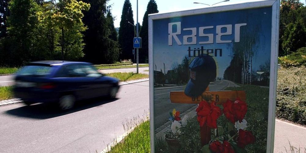 Mit 126 km/h raste ein Motorradfahrer innerorts durch Fischingen TG. (Symbolbild)