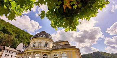 ARCHIV - Das Spielcasino liegt im Kurpark von Bad Ems. Die Unesco zeichnete den Kurort zusammen mit Baden-Baden und Bad Kissingen sowie acht weiteren europäischen Kurorten als «Große Bäder Europas» als Welterbe aus. Foto: Thomas Frey/dpa