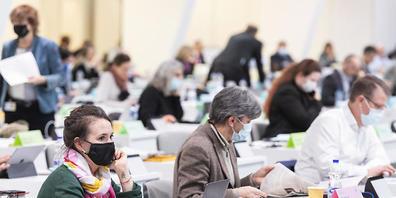 Der Zürcher Kantonsrat in seinem Corona-Exil in Oerlikon: Dort gilt weiterhin eine Masken-, aber keine Zertifikatspflicht. (Archivbild)