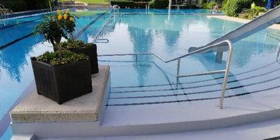 Der optimierte Einstieg zum Schwimmerbecken.