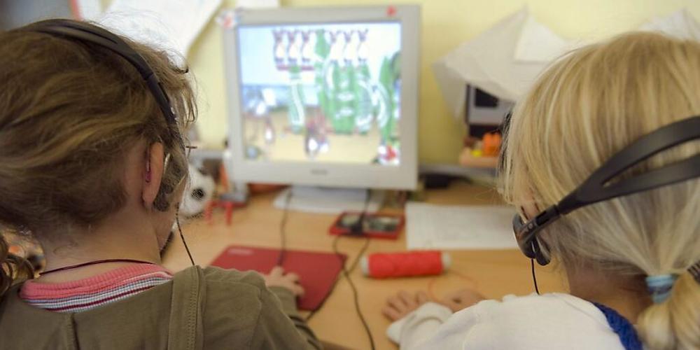 SVP, SP, FDP, Grüne und Grünliberale wollen, dass Kinder verpflichtet werden können, mit Deutschkursen die deutsche Sprache zu erlernen.