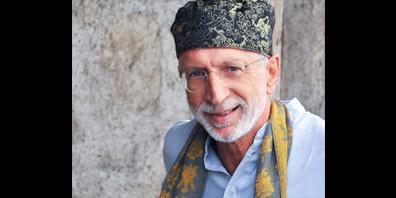 Hasib Jaenike ist Präsident der Mutabor Märchenstiftung und Erzähler. Seine Erfahrungen gibt er in der Schule für Märchen- und Erzählkultur weiter.