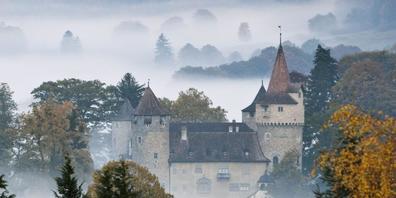 """Prinz Rudolf von und zu Liechtenstein hat sich ein neues """"Märchenschloss"""" gekauft. Schloss Marschlins steht in Igis-Landquart in Graubünden."""