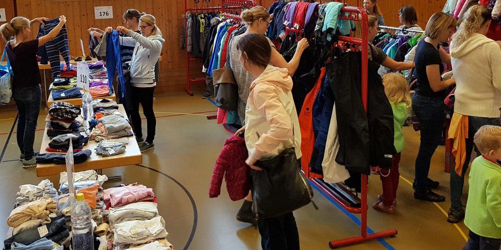Die Kinderartikelbörse findet in der Grüscher Mehrzweckhalle (Primarschulhaus) statt.