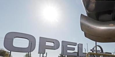 Weil mehrere Opel-Dieselmodelle deutlich höhere Schadstoffwerte ausgestossen haben als angegeben, wurde Opel ein Bussgeld von 64,8 Millionen Euro auferlegt. (Archivbild)