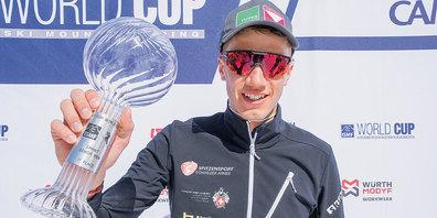 Arno Lietha, Sieger im Sprint-Weltcup-Gesamtklassement freut sich riesig über die verdiente Kristallkugel.