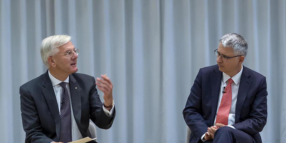 Verwaltungsratspräsident Christoph Franz, links, und CEO Severin Schwan zum 125-Jahr-Jubiläum ihrer Firma Roche.