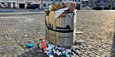 Die Kübel in Rapperswil sind überfüllt – der Abfall passt schon gar nicht mehr rein.