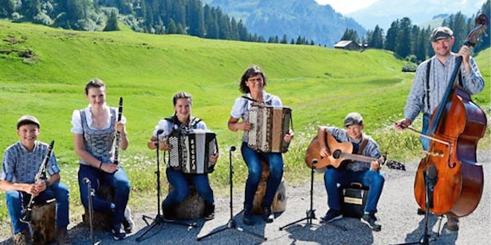 Am Sonntag spielt die Lenglerkapellä im Gasthaus «Hochwang» auf.