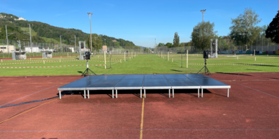 Um die Sicherheit der Teilnehmer zu gewährleisten, wurde der Fussballplatz in mehrere Sektoren eingeteilt.