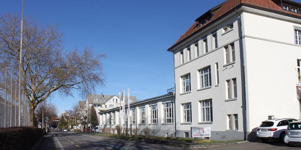 Die Fahnenfabrik M. Stadelmann & Co.