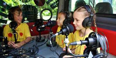Auch in diesem Jahr gestalteten die Kinder und Jugendlichen mit viel Elan ihre eigene Radiosendung.