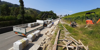 Rund 150 Tonnen Steine wurden für die Trockenmauern angeliefert.