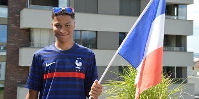 Der 18-jährige Lachner Nino Sieffer drückt heute Abend der «Equipe tricolore» die Daumen.