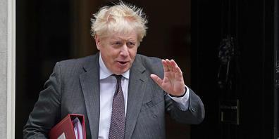 Großbritanniens Premierminister Boris Johnson verlässt 10 Downing Street. In Großbritannien steht laut Nachrichtenagentur PA unter Berufung auf eine «Quelle in der Downing Street» ein Umbau des Kabinetts kurz bevor. Johnson werde demnach noch am M...