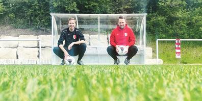 Der Leichtathlet Marco Kern (l.) und das FCB-Urgestein Julian Strunk bilden das neue Trainerduo des Drittligisten FC Büsingen.