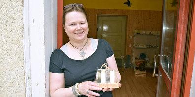 Karin Jost betreibt an der Hauptstrasse Jenaz seit März  den «Seifengarten».
